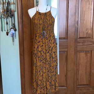 L 70s style floral rayon midi dress